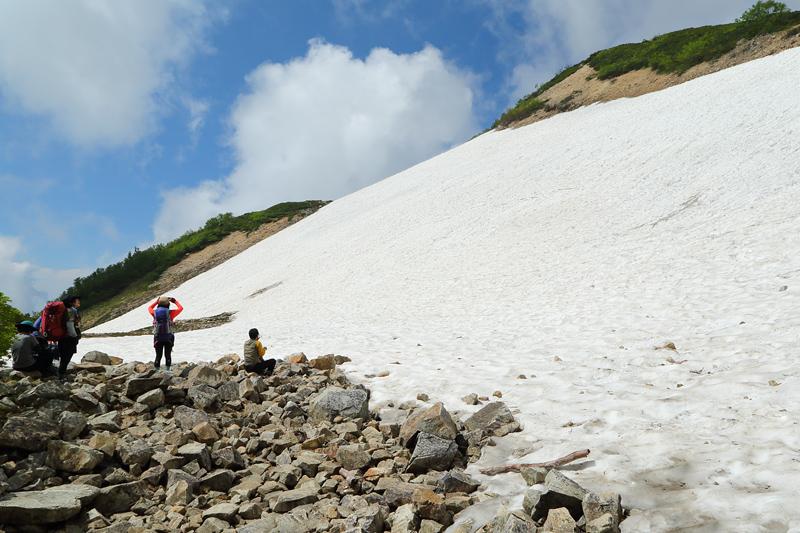 唐松岳への登山道_扇の雪田